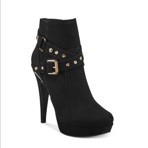 GBG Los Angeles Guess Deeka Black Bootie Heels